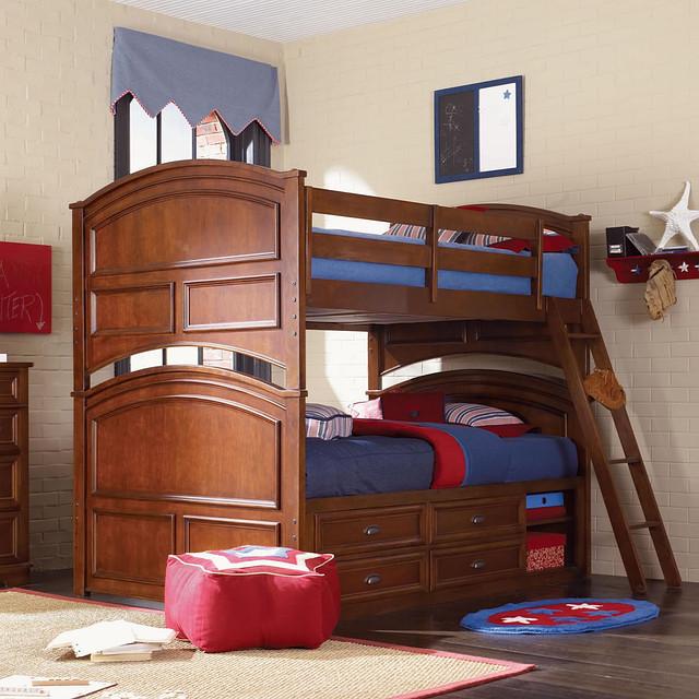 Деревянная качественная двухъярусная кровать