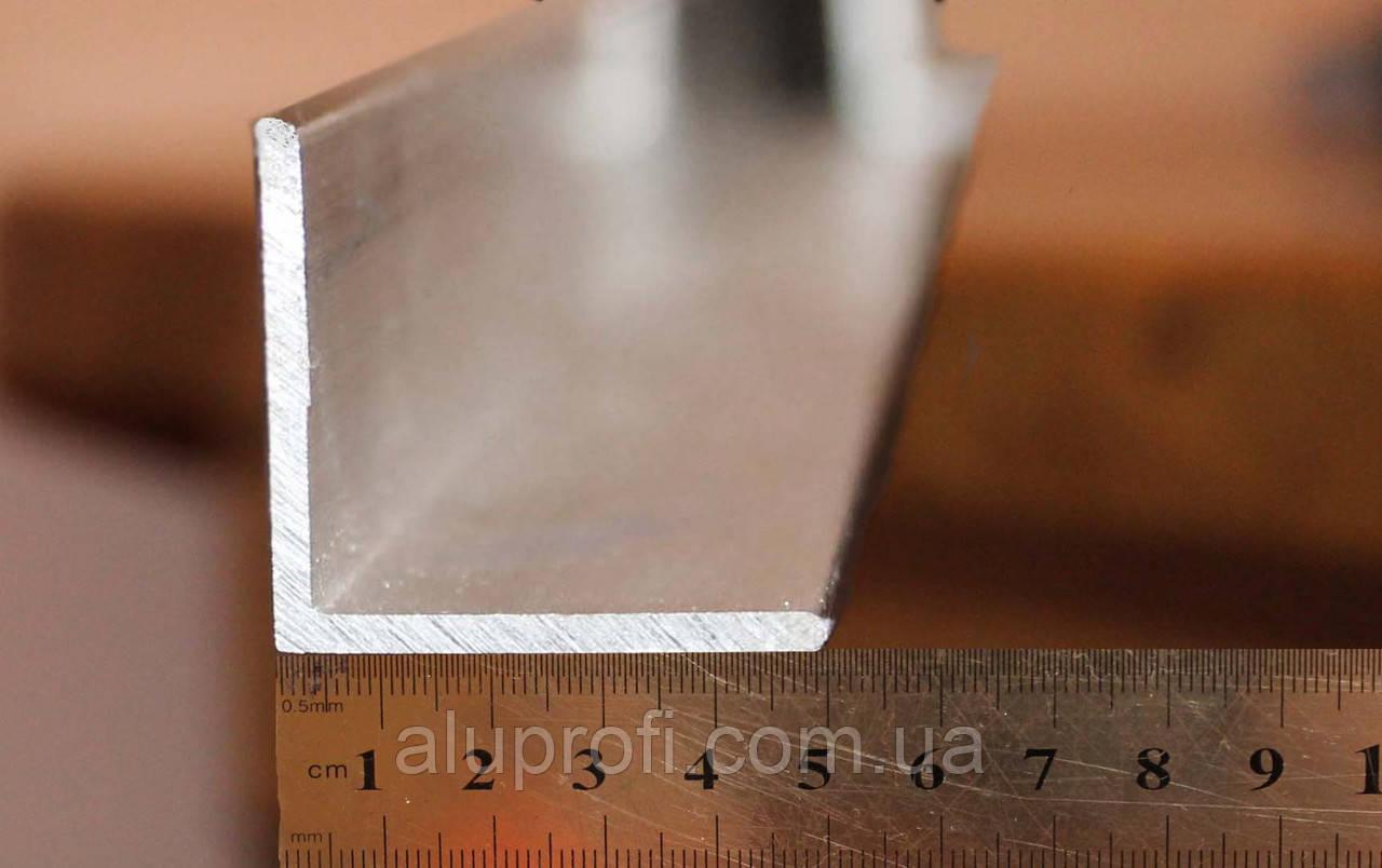 Уголок алюминиевый 50х50х4 мм АД31Т