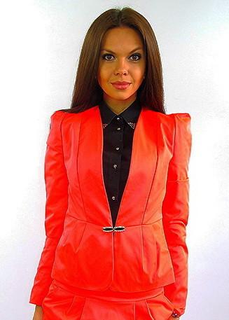 Стильный молодёжный пиджак.  Тайра алая.