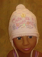 Белая вязаная шапка для девочки, фото 1