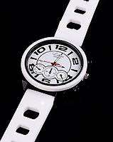 Наручные часы белые