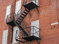Пожарная лестница на лоджии