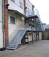 Ограждение наружных пожарных лестниц