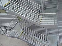 Пожарную лестницу длиной 17 м