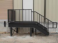 Противопожарная лестница металлическая