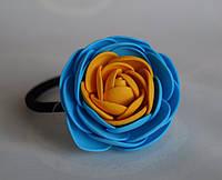 Резинка для волос желто-голубой цветок