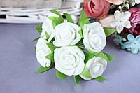 Розочка кудрявая 2.5 см из латекса (фоамирана) 6 шт/уп на стебле белого цвета