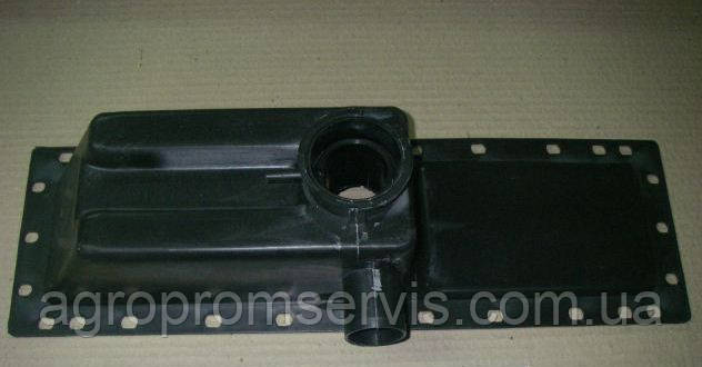 Бачок радиатора мтз верхний пласт.70П-1301055