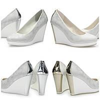 женские туфли золотистые и серебристые