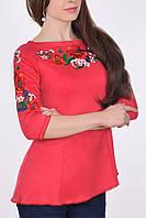 Отличная молодежная туника украшена роскошными вышитыми цветами