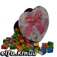 Жвачка Love is в подарочной упаковке 100 шт