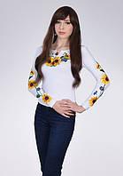 Белая вышитая футболка женская с растительным узором