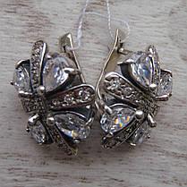 Шикарные серебряные серьги со вставками из прозрачного фианита, фото 3