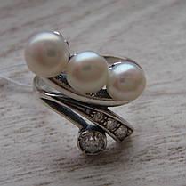Серебряное кольцо с искусственным жемчугом и фианитами, фото 2