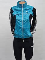 Модный спортивный костюм из ластика