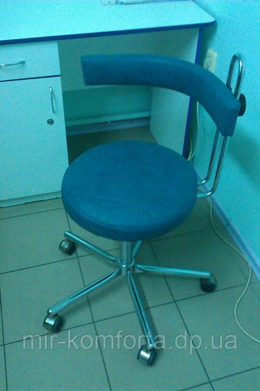Перетяжка кресла в стоматологическом кабинете