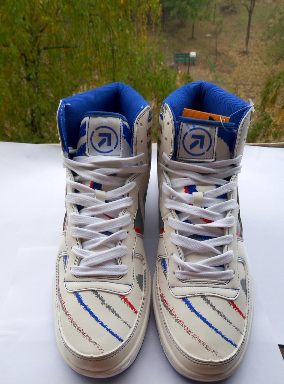 Кожаные кроссовки Restime, оригинал 43-й размер
