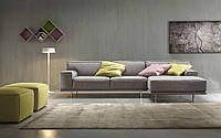 Модульный диван на высоких ножках Young фабрика Felis (Италия)