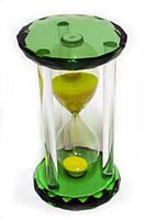 Часы песочные в зелёном стеклянном корпусе