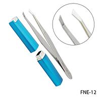 Пинцет для бровей FNE-12 скошенный, фигурный в футляре,