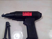 Молоток ручной клепальный пневматический многоударный  ПМ 200 аналог КМП-24 с доп. насадками