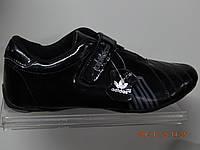 Кроссовки Adidas весна-осень