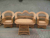 Набор плетеной мебели со столом