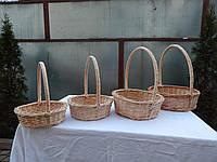 Подарочная плетеная круглая корзинка из лозы 002