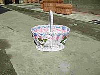 Корзина пасхальная украшенная, плетение из лозы