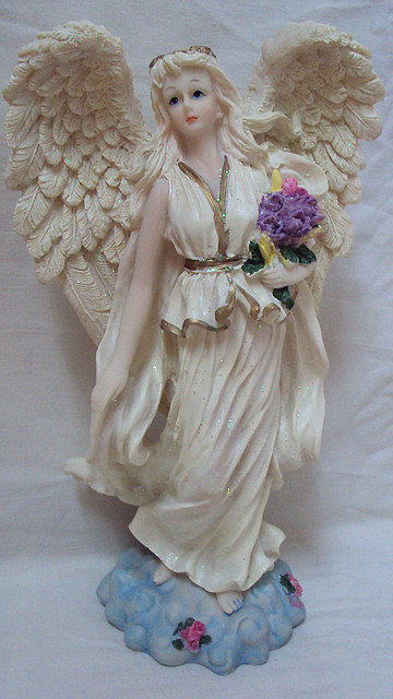 Статуэтка ангел с букетом цветов, фото 1