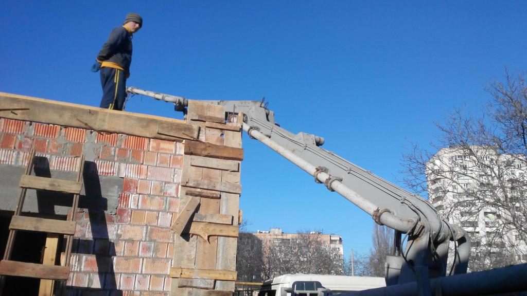 Поставка двойного керамического блока и бетона М350 на ул. Вавилова -1