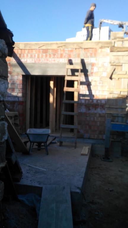 Поставка двойного керамического блока и бетона М350 на ул. Вавилова 1