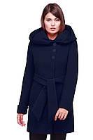 Женское пальто исполнено из кашемира на нейлоновой подкладке