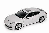 Автомодель (1:24) Porsche Panamera S white