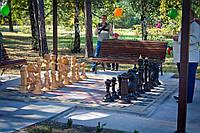 Шахматные фигуры для улицы