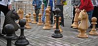 Шахматные фигуры  для украшения сада и дачи