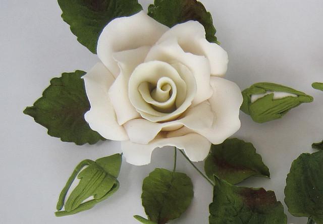 """Роза оформленная """"белая"""" d120 Украса - 01144"""