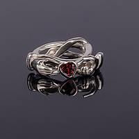 """Серебряное кольцо с гранатом """"Мое сердце в твоих руках"""" от Wickerring"""