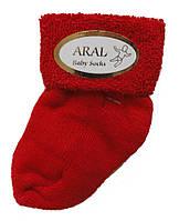 Махровые носки для новорожденных красного цвета