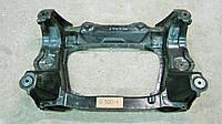Балка передняя, подрамник передний Мерседес 220 / Mercedes W220 4matic - A 220 620 01 87 / A2206200187