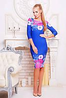 Женское синие приталенное платье в цветах