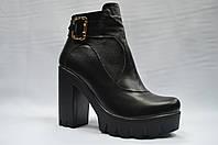 Черные кожаные  ботиночки на толстой подошве. Украина., фото 1
