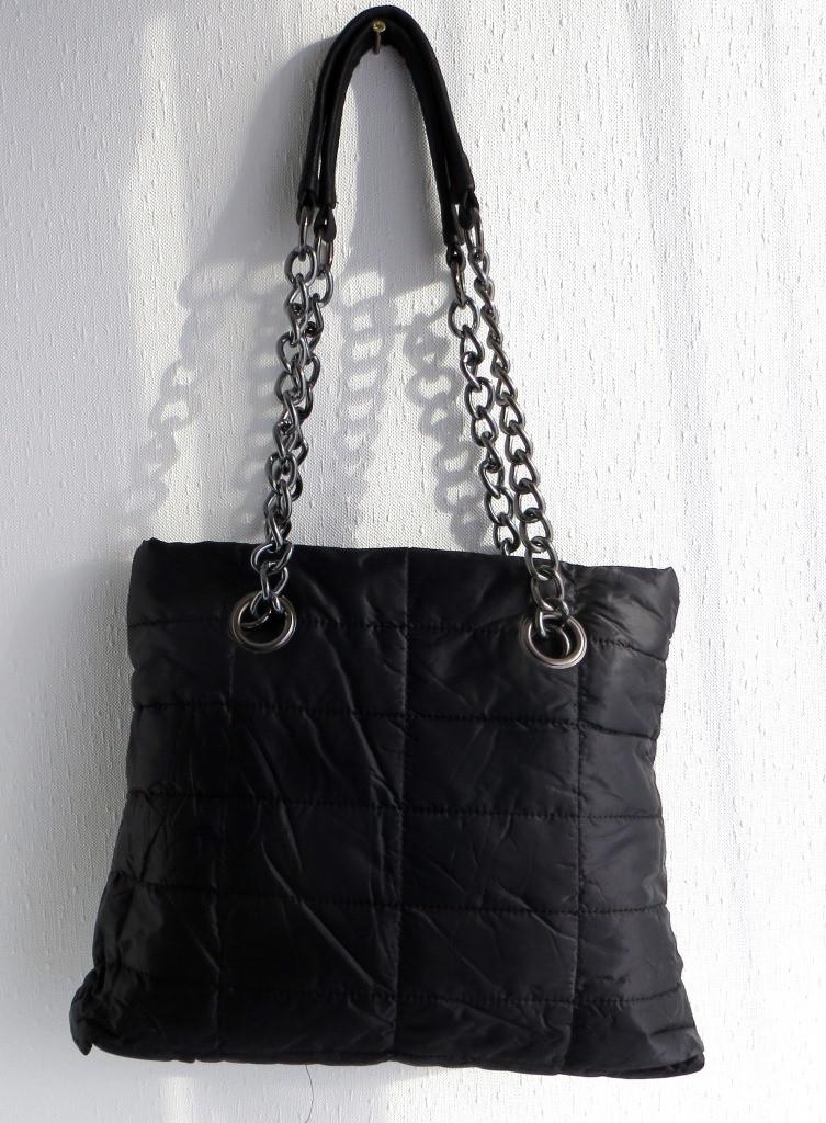 Удобная стеганная вместительная женская сумка. Черная