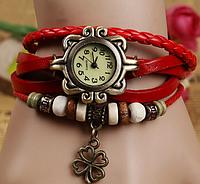 """Женские часы с кожаным ремешком под старину с брелком """"клевер"""", женские кожаные часы КРАСНЫЕ"""
