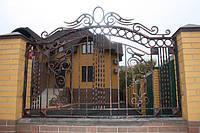 Кованый забор открытого типа