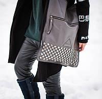 Кожаная женская сумка Givеnchy серая на плечо c заклепками