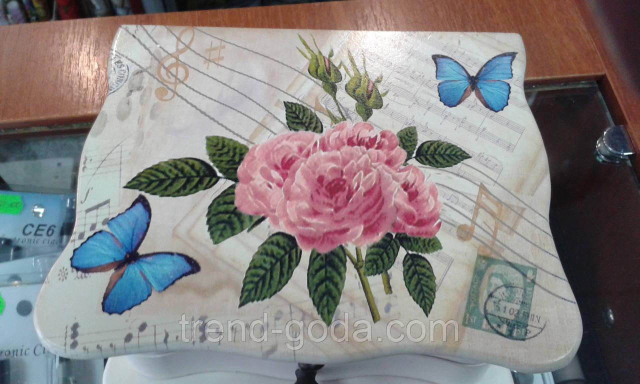 Шкатулка музыкальная для украшений с бабочками и розами