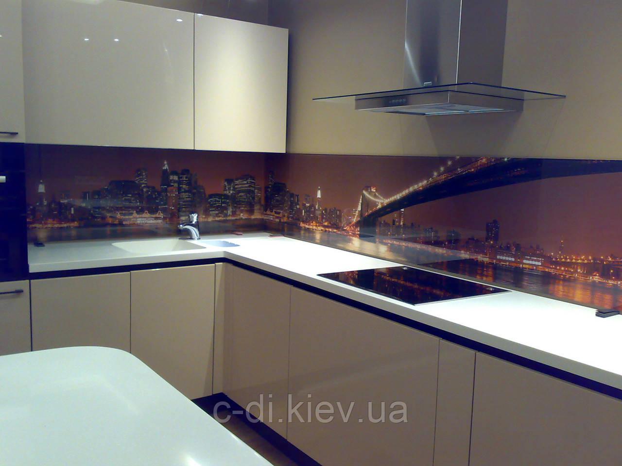 Стеклянные панели на рабочую поверхность кухни, стеклянный фартук