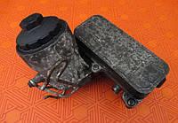 Корпус масляного фильтра с холодильником на Volkswagen T5 2.5 tdi (Фольксваген Т5)