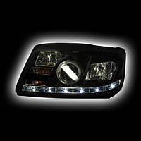 Альтернативная оптика для VW BORA `99-, фары, с дневными ходовыми огнями, стиль А5, линза, с противотуманкой, черный (тюнинг оптика, цена за комплект)